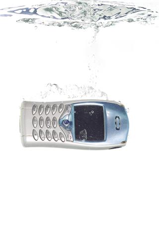 phone under water