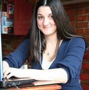Headshot of Lisa Barone