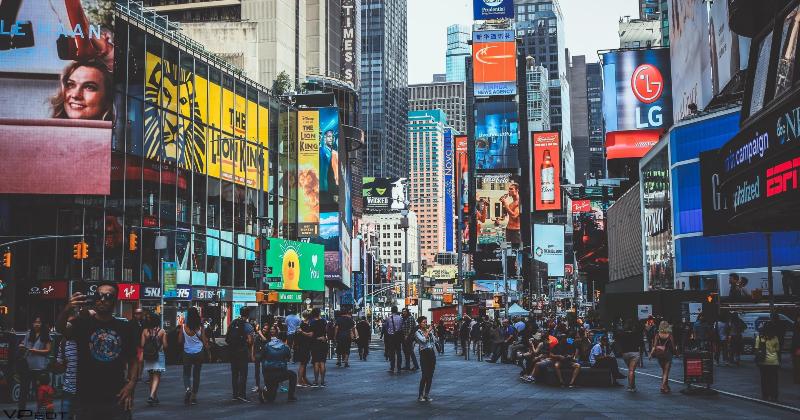 Crowd in New York City street.